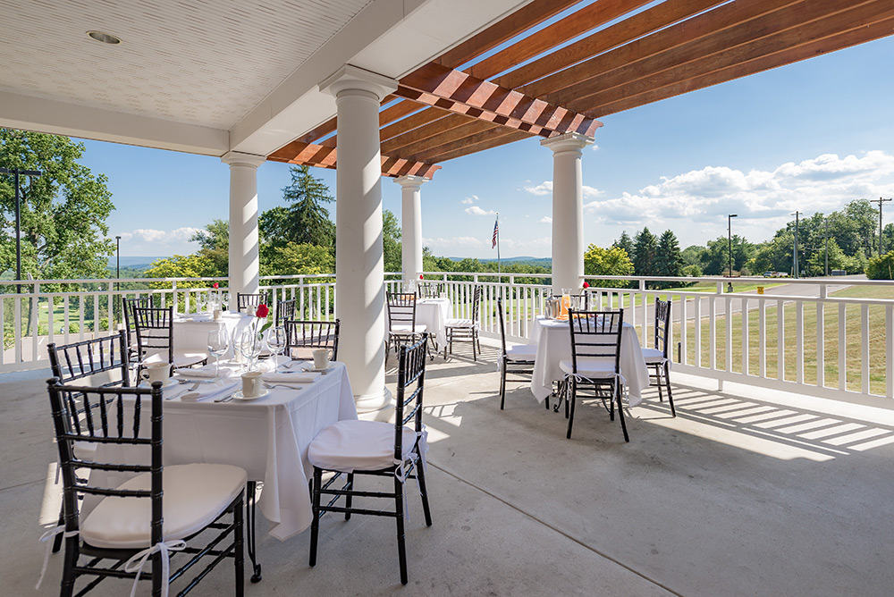 Irem Clubhouse Outdoor Patio